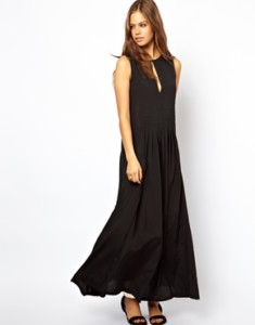 ASOS Maxi Dress With Pleat Front Detail WAS £55 NOW £13.50 at ASOS Gratisfaction UK Flash Bargains